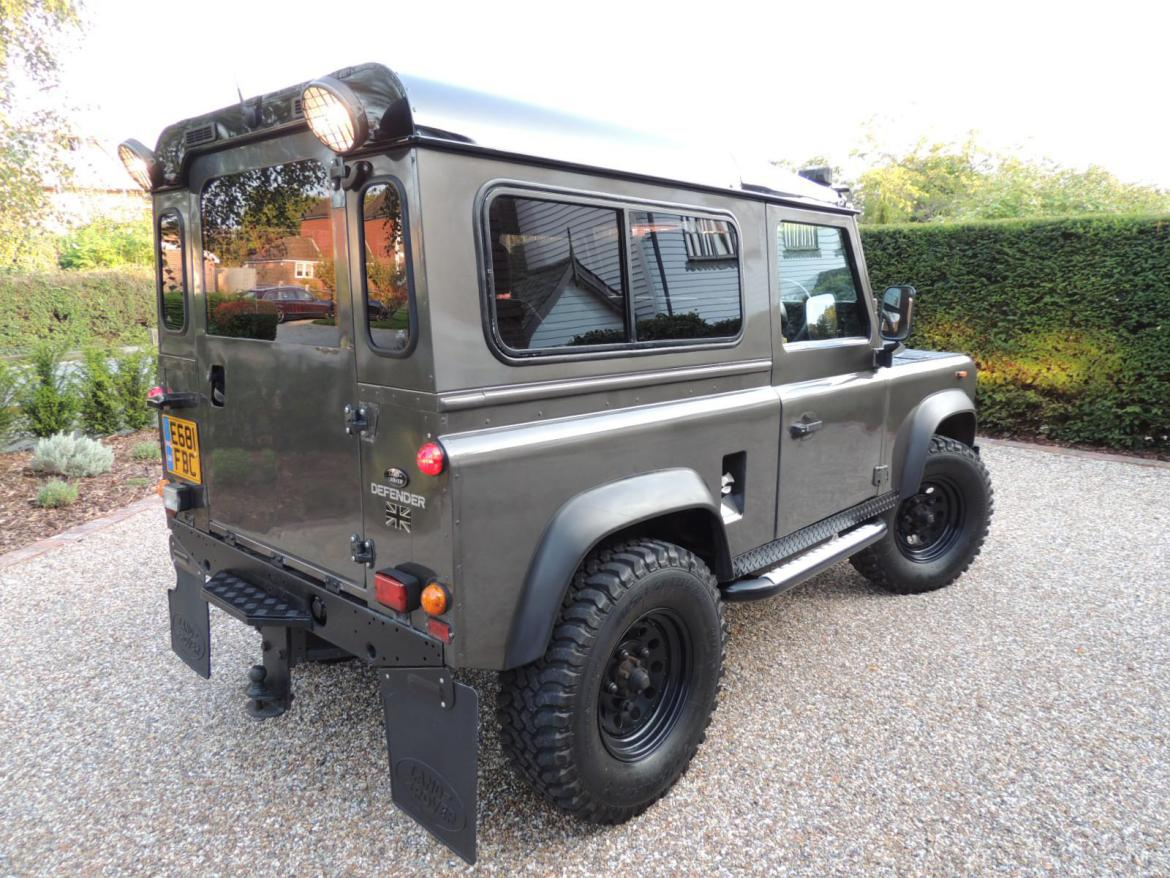 land rover defender 90 tdi motor marketplace. Black Bedroom Furniture Sets. Home Design Ideas
